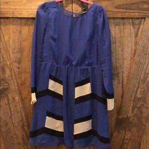 Blue geometric L/S dress
